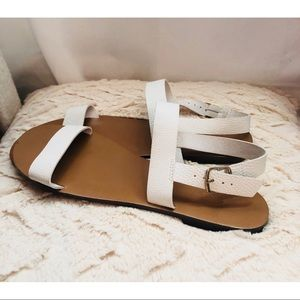 Adorable White and Gold Flat Sandals!